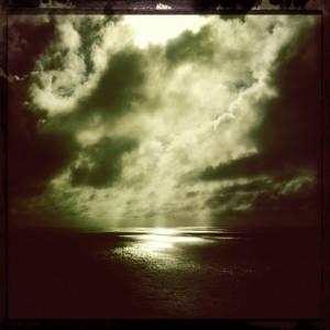 hipstamatic iphone sun light water ocean